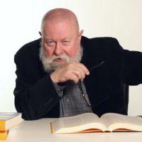 """""""... Polacy nie gęsi , iż swój język mają... czyli dialog o polskim dziedzictwie językowym"""" z prof. Bralczykiem"""