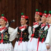 Koncerty zespołów folklorystycznych w horynieckim Parku Zdrojowym - zdjęcia
